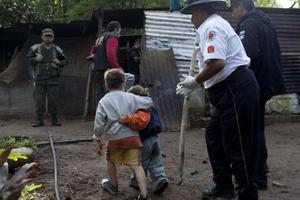 Ο 6χρονος που έγινε σε μία στιγμή ο «άνδρας» της οικογένειας