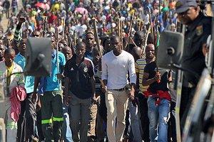 Η AngloGold Ashanti ενδέχεται να απολύσει 12.000 μεταλλωρύχους