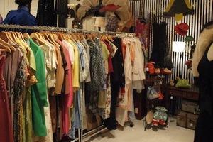 Τα ρούχα… πληρώνουν το μάρμαρο στη Θεσσαλονίκη