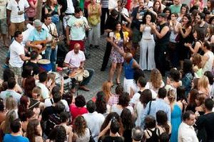 Οι «Δρόμοι της Κούβας» οδηγούν στο Γυάλινο Μουσικό Θέατρο