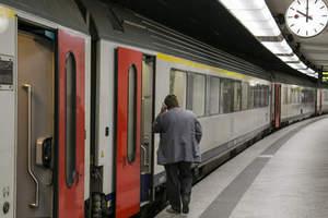 Απεργούν οι εργαζόμενοι στους γαλλικούς σιδηροδρόμους