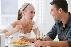 Η συγκατοίκηση παχαίνει… τις γυναίκες