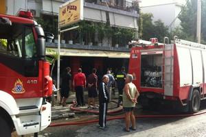 Στις φλόγες πιτσαρία στην Αργυρούπολη
