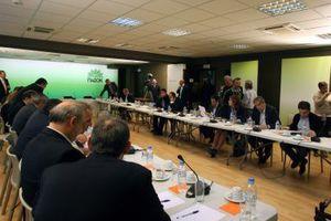 Συνάντηση με Στουρνάρα ζήτησε το ΠΑΣΟΚ