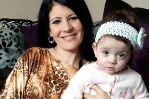 Γέννησε μια υγιέστατη κορούλα… ή μήπως όχι;