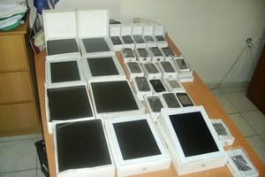 Πέντε συλλήψεις για αφορολόγητα tablets και κινητά