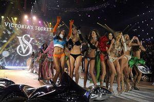 Τι δεν λείπει ποτέ από το ψυγείο ενός μοντέλου της Victoria's Secret