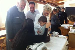 Δεκάδες παιδιά εμβολιάστηκαν σήμερα στο Περιστέρι
