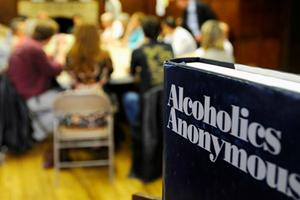 Τι πρέπει να ξέρουμε για τους Ανώνυμους Αλκοολικούς