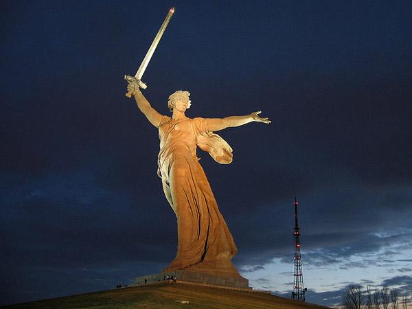 Η μάνα γη καλεί»: volgograd - ρωσία