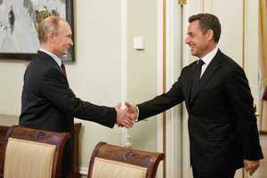 Σαρκοζί σε Πούτιν: Να υπάρξει έξοδος από τον φαύλο κύκλο των κυρώσεων