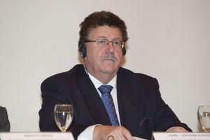 «Θαυμάζω τους Έλληνες επιχειρηματίες που επιμένουν»