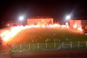 Σόου με καπνογόνα σε γήπεδο στη Ρουμανία