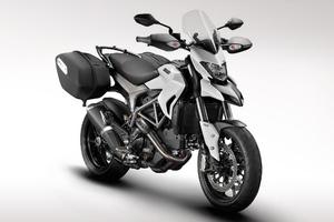 Η νέα Ducati Hyperstrada 821