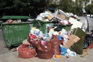 Στον εισαγγελέα για τα σκουπίδια γονείς μαθητών