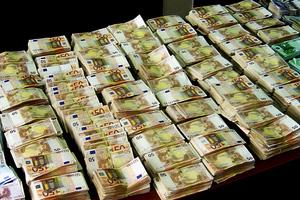 Το ΣΔΟΕ «ξεσκονίζει» τα οικονομικά των Δήμων
