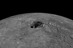 Γιατί ο πλανήτης Ερμής έχει ασυνήθιστα σκούρο χρώμα
