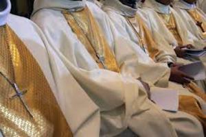 «Ντετέκτιβ» στα χνάρια κληρικών που κακοποιούν