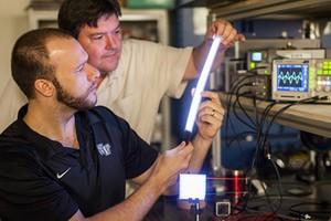 Ερευνητές ανακαλύπτουν τον «πλαστικό» φωτισμό