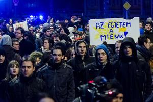 Ειρηνική πορεία φοιτητών στη Βουδαπέστη