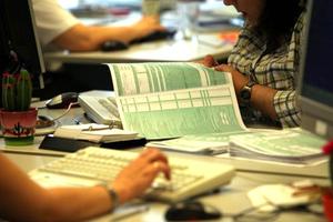 Στα 1.013 ευρώ ο μέσος φόρος των χρεωστικών εκκαθαριστικών