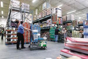 Λιγότεροι εργαζόμενοι στο λιανικό εμπόριο το γ' τρίμηνο