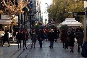 Εορταστικό ωράριο από τις 13/12 προτείνει ο Εμπορικός Σύλλογος Αθηνών
