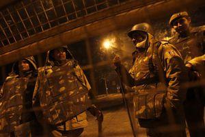 Νεκρός αστυνομικός σε διαδηλώσεις στην Ινδία