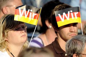 Ανεβαίνουν οι Χριστιανοδημοκράτες στη Γερμανία