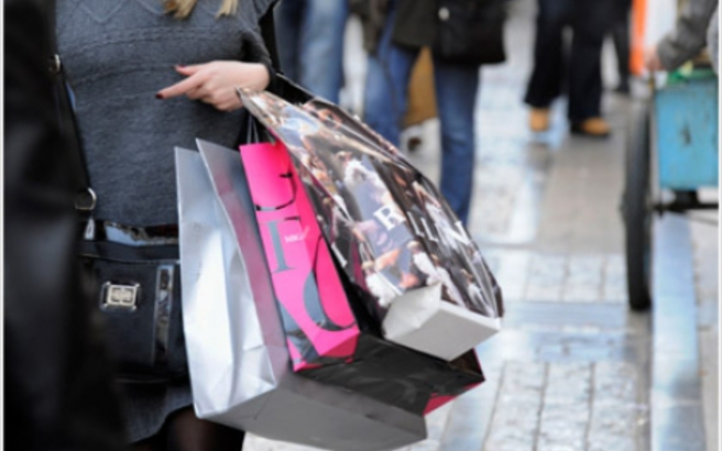 Τα ψώνια σε θορυβώδη εμπορικά κέντρα κάνουν κακό στην καρδιά