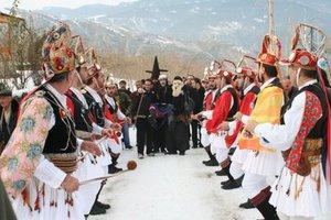 Παραδοσιακοί γάμοι και... καρναβάλια