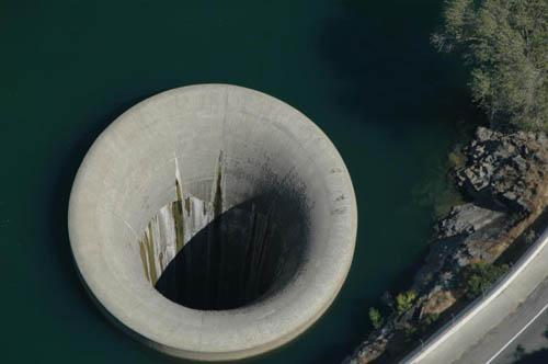 Οι μεγαλύτερες τρύπες πάνω στη Γη