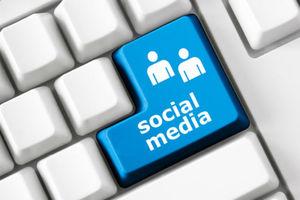 Ποιοι χρησιμοποιούν τα κοινωνικά δίκτυα