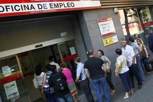 Η Ισπανία «κήρυξε τον πόλεμο» κατά της ανεργίας των νέων