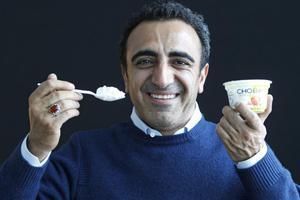 Ο Τούρκος που «έφαγε» το ελληνικό γιαούρτι