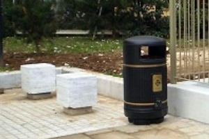 Νέα καλάθια απορριμμάτων στη Θεσσαλονίκη