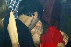 Τρυφερά φιλιά στο φακό