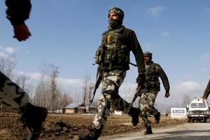 Ινδοί στρατιώτες έπεσαν νεκροί απο πυρά Πακιστάνων