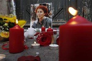 Χιλιάδες Κούρδοι στις κηδείες των ακτιβιστριών
