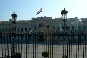 Μολότοφ έξω από το προεδρικό μέγαρο της Αιγύπτου