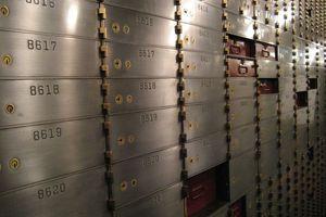 Κλοπές 2,5 εκατ. ευρώ από θυρίδες τράπεζας στη Θεσσαλονίκη