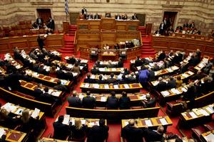 Στη Βουλή σήμερα το αναθεωρημένο Μεσοπρόθεσμο