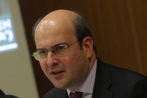 «Συζητάμε με το ΠΑΣΟΚ για άνοιγμα των καταστημάτων τις Κυριακές»