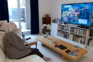 Σούπερ γιαγιάδες παίζουν Playstation