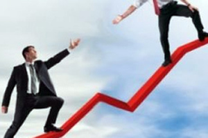 «Η ελληνική οικονομία ξέφυγε από το φάσμα της ύφεσης»