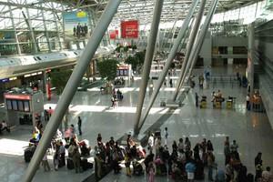 Παρέλυσαν τα αεροδρόμια της Γερμανίας