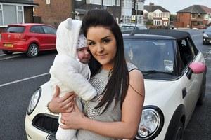 Έκλεψαν αυτοκίνητο... μαζί με το μωρό που ήταν μέσα!