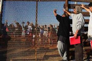 Μαζικές απελάσεις μεταναστών από την κεντρική Αμερική ετοιμάζουν οι ΗΠΑ