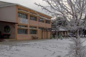 Κλειστά σχολεία αύριο και στη Λέσβο