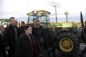 Η Παπαρήγα έκλεισε το ραντεβού στους αγρότες με υπουργούς